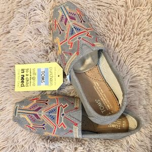 TOMS shoe | NWT Grey Aztec Embroidery